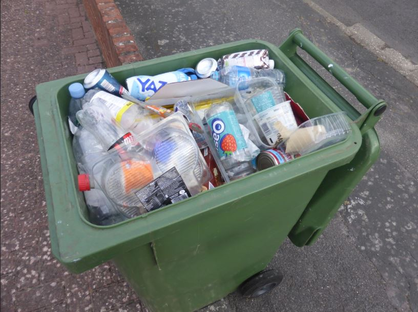 Image of a Full recycling bin