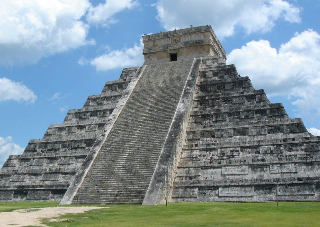 Aztec Pyramid (image courtesy of Jose Lorenzo Muñoz)